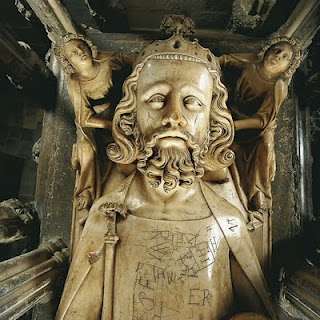 Edward_ii_detail